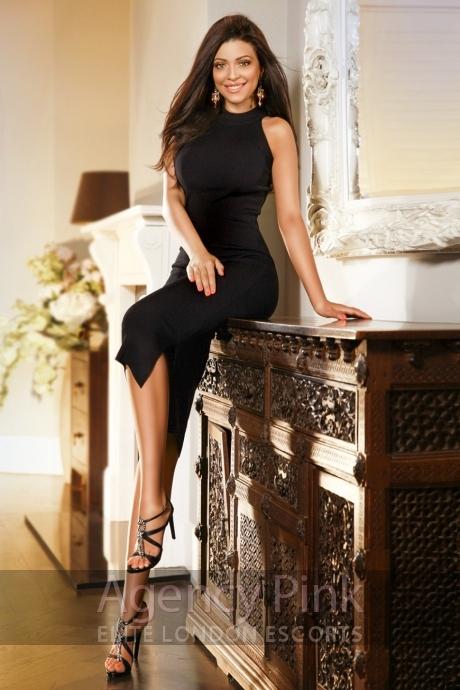 Jennifer Picture 6