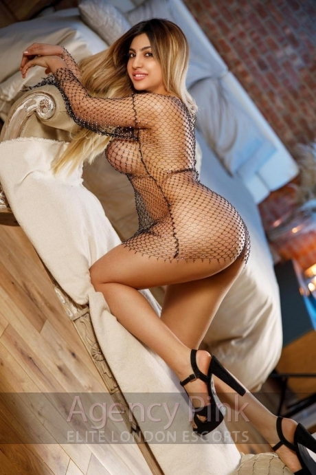 Escort Prudence in a see-through fishnet dress Picture 7