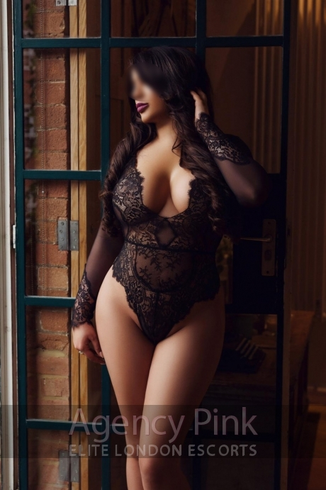 Escort Sabrina in her sexy black lingerie Picture 4