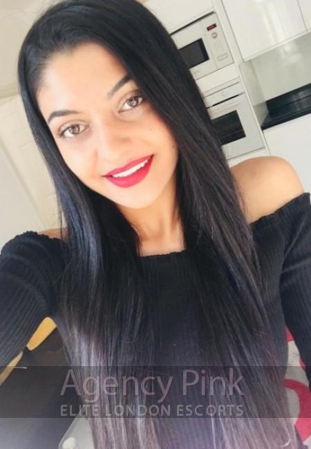 London escort selfie for Alexis