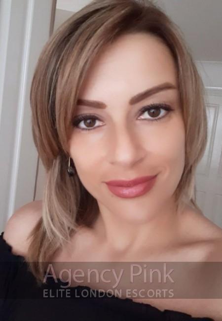 Natural escort selfie for Federica